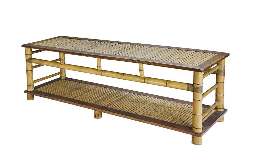 mesa com tampo de bambu