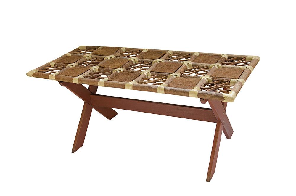 mesa cavalete em x com tampo de bambu